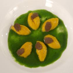 Gnocchi di zucca con tartufo e salsa al castelmagno