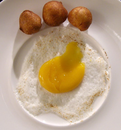 Finto uovo fritto